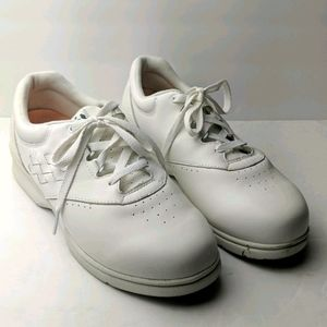 Propet white leather sneakers size 10 w